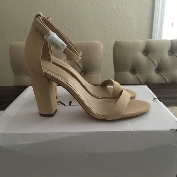 8c63143327c6 NWT Aldo Size 6.5 Myly Nude block heel